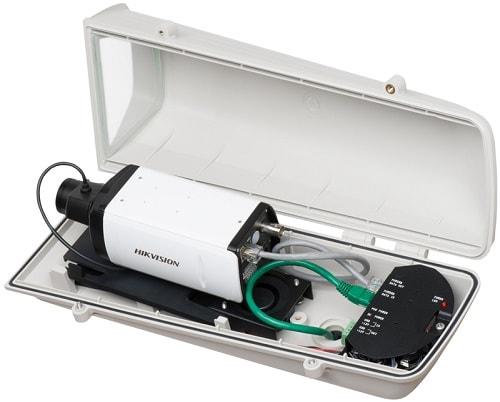 Корпусная ip видеокамера в гермокожухе.