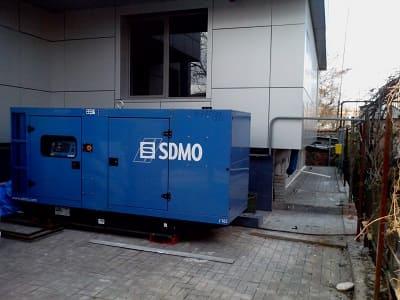 SDMO контейнерная электростанция