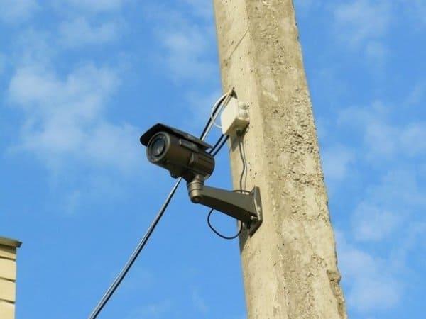 Монтаж камеры на бетонном столбе
