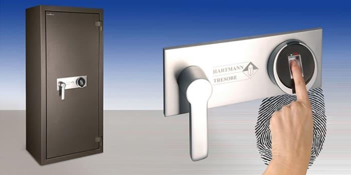 Сейфы с биометрическими замками (сканерами отпечатков пальцев)