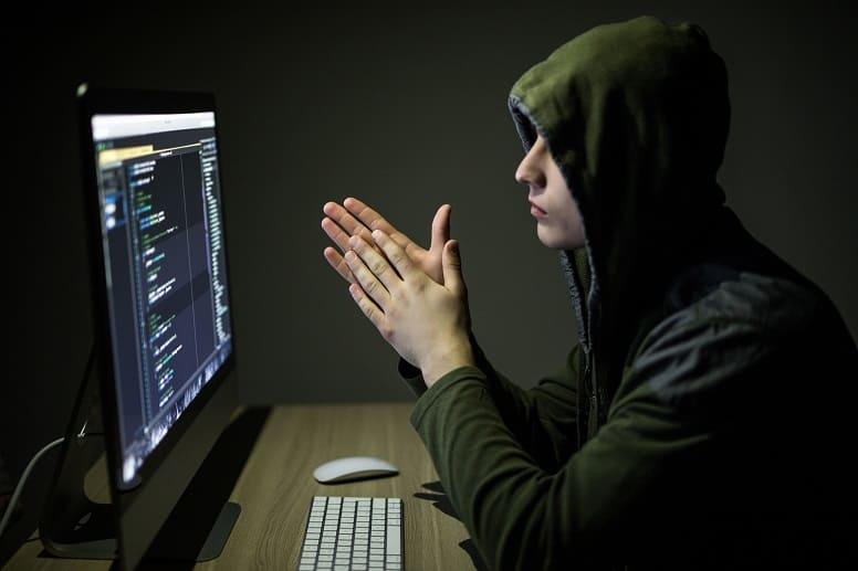 серый хакер
