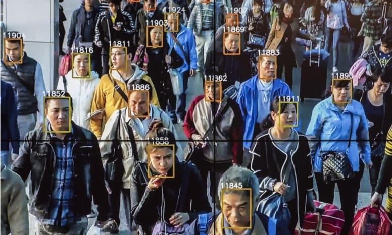 Китайские власти использовали эпидемию вируса, чтобы еще больше контролировать общество