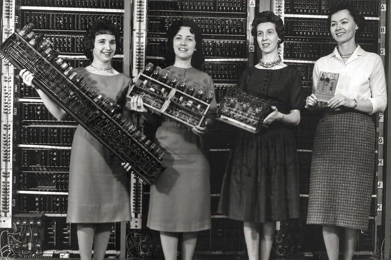Эти 6 женщин-первопроходцев помогли создать современные компьютеры