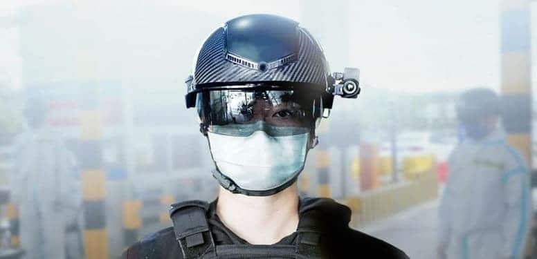Умные шлемы для полицейских? Они отсканируют ваше лицо и температуру