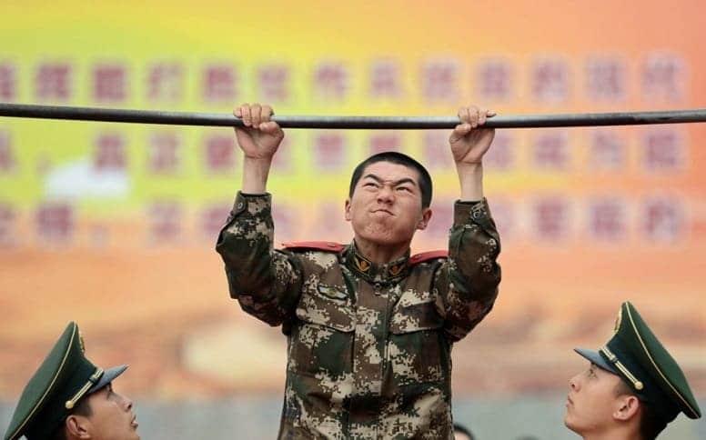 Правительство Китая заявляет, что их солдаты - слабаки