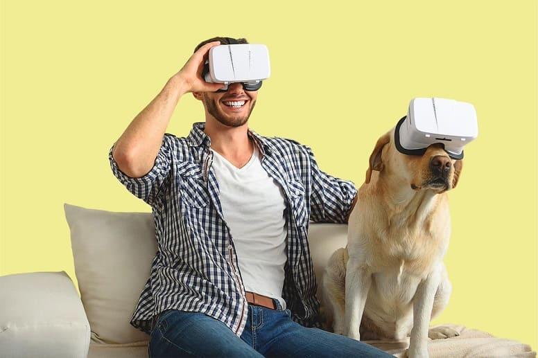 VR человек с собакой