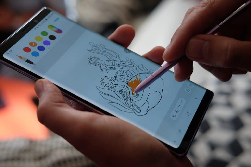 NFC получит новую функцию. Он будет заряжать стилусы.