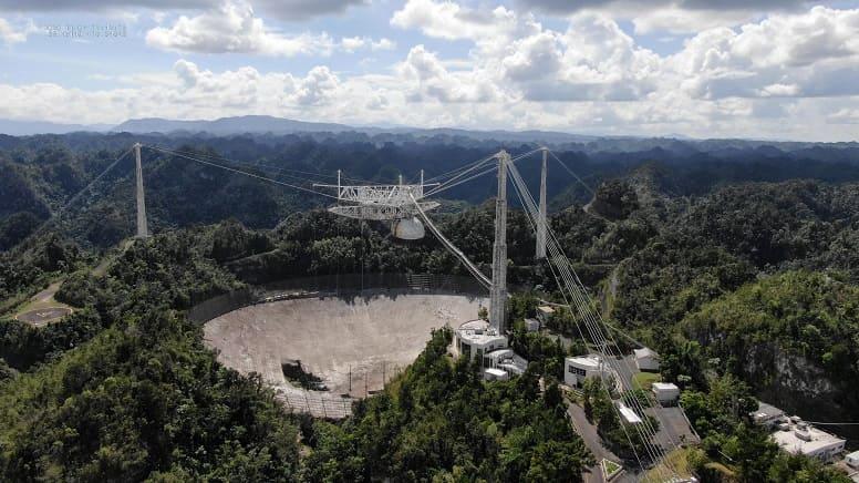 """Обсерватория """"Аресибо"""", икона поиска инопланетных цивилизаций, будет снесена."""