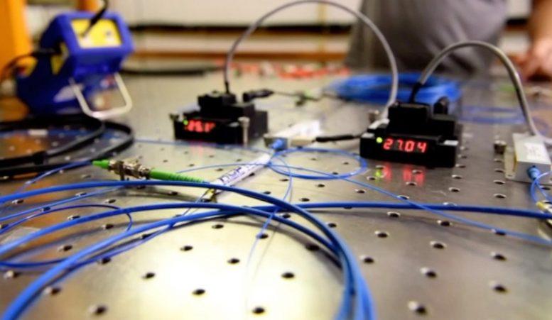 Ученым впервые удалось достичь квантовой телепортации на большие расстояния.