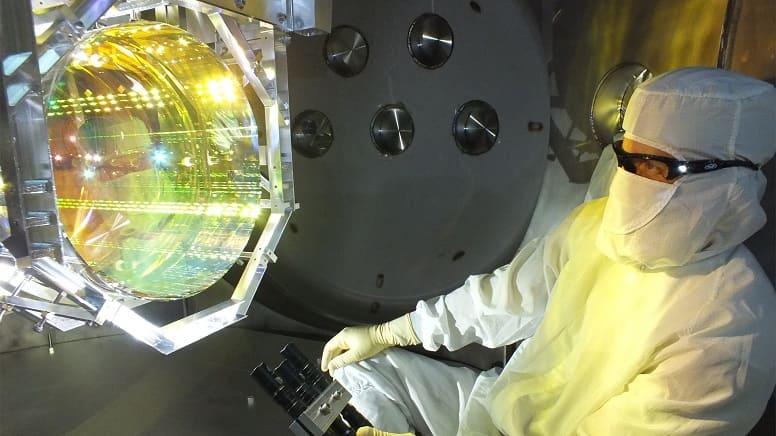 Ученые охладили зеркала детектора LIGO почти до абсолютного нуля. Как это возможно?