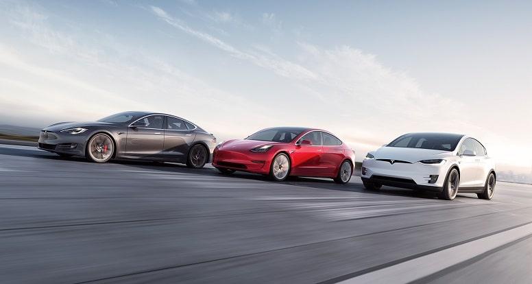 Tesla впервые продала более 200 000 электромобилей за квартал
