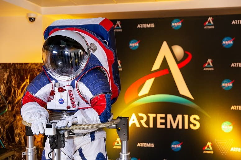 Космические скафандры поколения Artemis - будущее освоения космоса