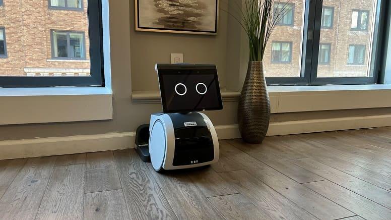 Astro: Amazon представляет симпатичных домашних роботов за $1 000