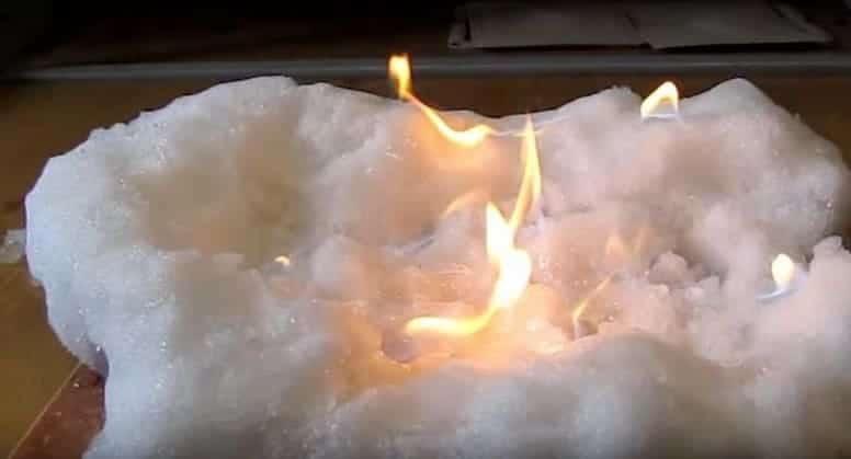 Билл Гейтс создал искусственный снег