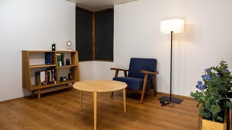 Специальная комната, как одна большая зарядная станция