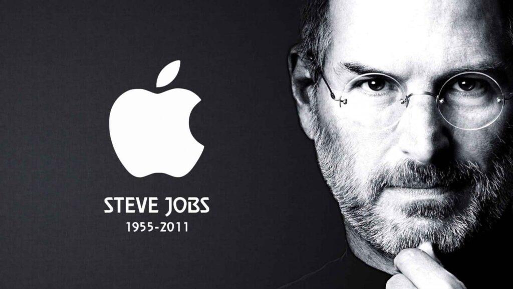 Десятая годовщина смерти Стива Джобса: гениальность и причудливость основателя Apple
